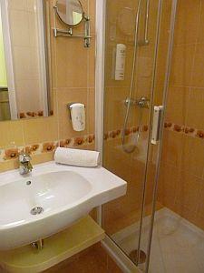 Fürdőszoba Kecskeméten az Aranyhomok hotelben