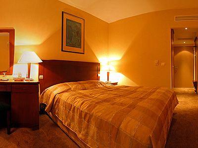 4* Hotel Azúr Siófok, szép szabad hotelszoba a Balatonnál akciós áron