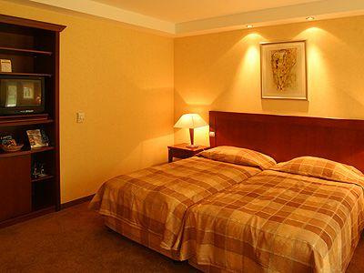4* Hotel Azúr Siófok szobája Siófokon akciós wellness csomaggal