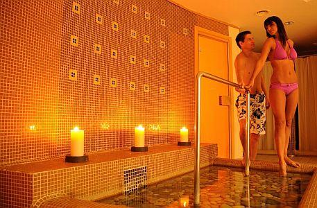 Hotel Azúr szálloda nagyszerű wellness szolgáltatásokkal Siófokon