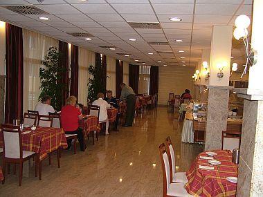 Resort spa hotel Hajduszoboszlo - Hungarospa termál és wellness hotel étterme Hajdúszoboszlón