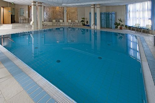 Hotel Rubin medencéje Budán - Wellness hétvége Budapesten