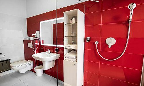 4* Rubin Wellness és Konferencia szálloda fürdőszobája