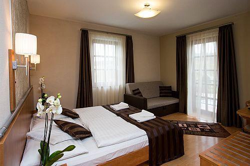 Szállás Egerben, Hotel Villa Völgy szép és romantikus hotelszobája Egerben