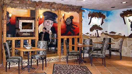 Afrika szoba a Hotel Villa Classica Pápában