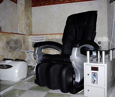 Wellness hétvége a Hotel Villa Calssicban Pápán - szauna és masszázsszék a Hotel Villa Classicban Pápán