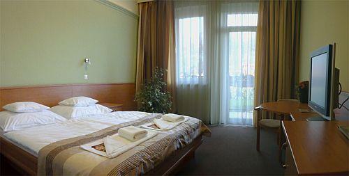 kecskeméti új wellness szálloda, Wellness Hotel Granada kétágyas szobája