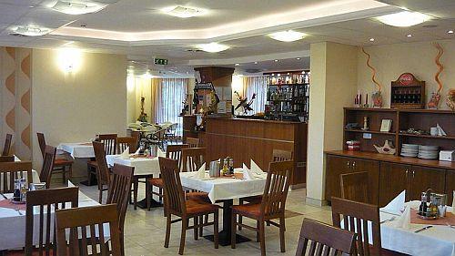 Kecskemét szállás - Szálláshely Kecskeméten a Wellness Granada hotelben, szállás Kecskeméten Granada