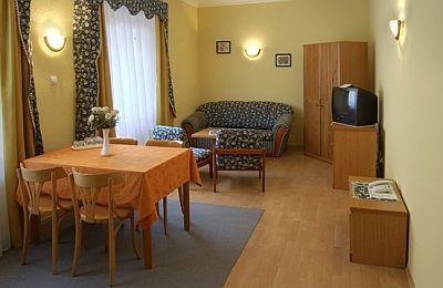 Miskolc Club hotel Kikelet - Apartman a barlangfürdő közelében Miskolc-Tapolcán