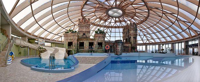 Vízibirodalom és wellness centrum az Aquaworld Hotelben