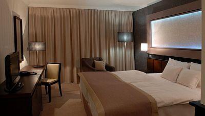 Aquaworld Resort Hotel**** Budapest akciós szép franciaágyas szobája