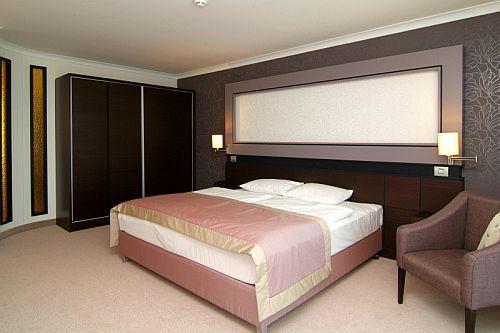 Tágas nagy apartman Budapesten az Aquaworld Hotelben****