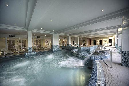 Wellness szálloda a Balatonnál - Két Korona Hotel wellness részlege Balatonszárszón