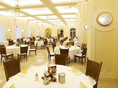 Esküvő helyszín az elegáns Anna Grand Hotel**** éttermében