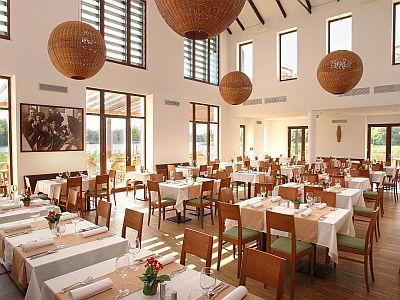 4* Tisza Balneum Termál és wellness szálloda étterme sok finomsággal