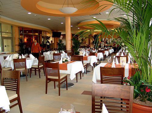 4* Akciós félpanziós szállás Mezőkövesden kiváló étteremmel