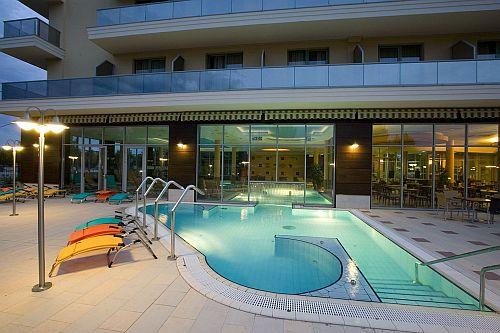 4* megfizethető Zsori Hotel Mezőkövesden a Balneo Thermal Hotel