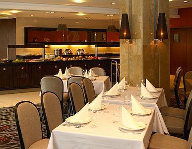 Saliris Hotel**** étterme Egerszalókon, elegáns környezetben