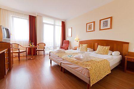 Karos Spa termál és wellness szálloda szép és szabad szobája