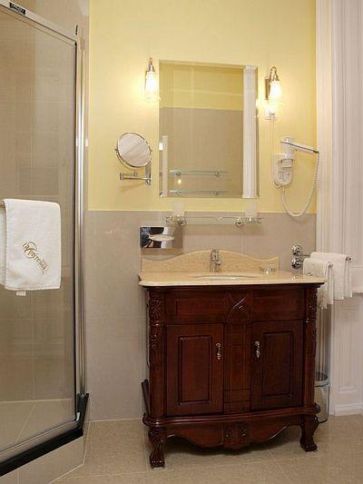 La Contessa Kastélyhotel**** fürdőszobája Szilvásváradon
