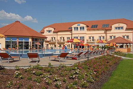 Aqua-Spa Wellness Hotel**** Cserkeszőlőn romantikus hétvégére