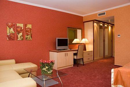 4* két légterű hotelszoba Cserkeszőlőn az Aqua Spa Hotelben