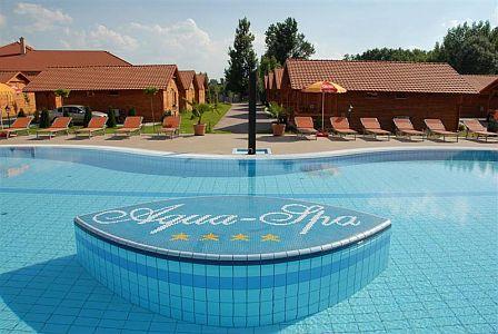 Aqua-Spa Wellness Hotel**** Cserkeszőlő külső medencéje