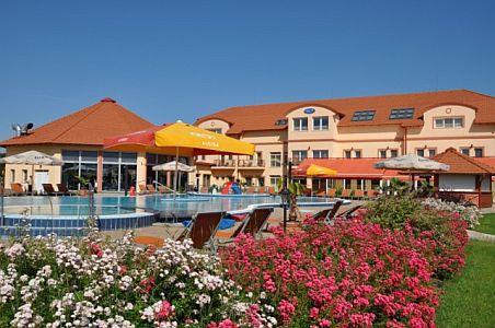 Aqua Spa Hotel**** Cserkeszölő akciós félpanziós csomagok