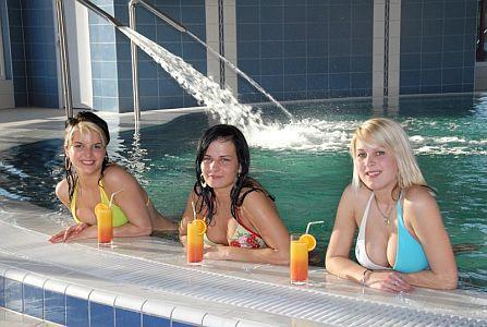 Akciós hétvége az Aqua-Spa**** Wellness Hotelben Cserkeszőlőn