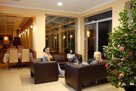 Hotel Aqua Spa Cserkeszőlő 4* - Elegáns drinkbár Cserkeszőlőn