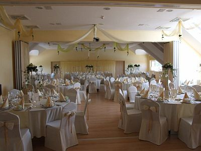 Esküvőhelyszín Cserkeszőlőn Az Aqua-Spa Hotelben****
