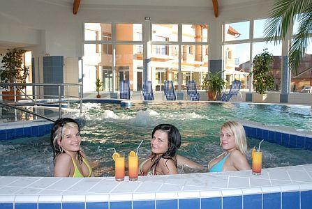 Romantikus wellness hétvége Cserkeszőlőn az Aqua Spa Hotelben