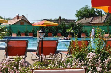 Aqua-Spa Hotel**** Cserkeszőlő akciós félpanziós csomagajánlatok