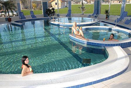 Wellness hétvége az Aqua-Spa**** Wellness Hotelben Cserkeszőlőn