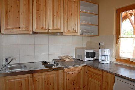 Aqua Bungalow Cserkeszőlő - jól felszerelt konyha hat fő részére a cserkeszőlői bungalókban