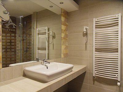 Hotel Atlantis**** superior új és elegáns fürdőszobája