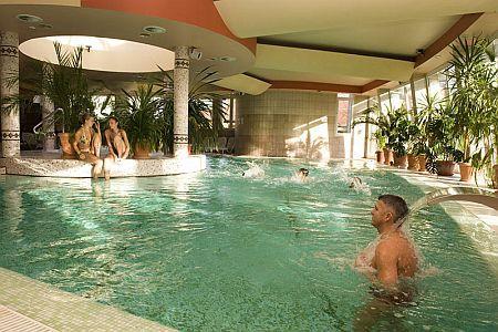 Siófoki Residence Hotel félpanziós ellátással a Balaton déli oldalán