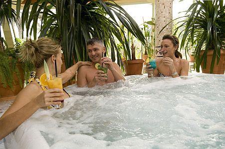 Residence Hotel **** siófoki szálloda nagy pezsgőfürdője