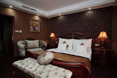 4* Hotel Colosseum szép és romantikus hotelszobája Mórahalmon
