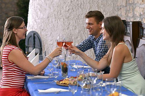 Hotel Sopron**** borháza a jó soproni bort kedvelőknek