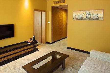 Sheraton Hotel Kecskemét szép elegáns hotelszobája online megrendeléssel