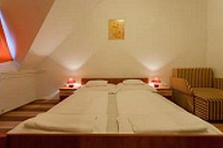 Akciós Juniperus Hotel Kecskemét, szép 2 csillagos szálloda Kecskeméten
