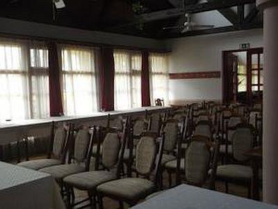 Juniperus Hotel konferenciaterme és rendezvényterme Kecskeméten 80 főig