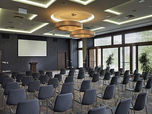 Konferenciaterem, rendezvényterem Tiszakécskén a Barack Thermal Hotelben