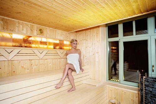 Grand Hotel Glorius 4* Makó tágas finn szaunája wellnesst kedvelőknek