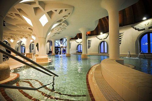 Grand Hotel Glorius közvetlen átjárással a makói Hagymatikumba