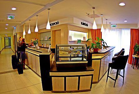 Psoriasis Hotel*** Harkányi szálloda elegáns előtere
