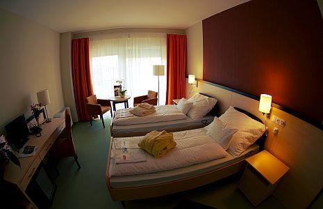 Psoriasis Centrum Hotel 3* teljesen felújított szobája Harkányban