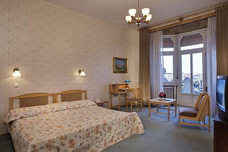 Gellért Hotel szabad kétágyas szobája Budapesten - Közvetlen hotelszoba foglalás