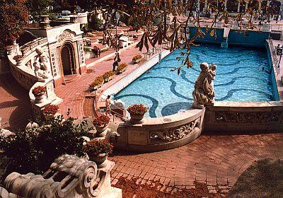 Wellness hotel Budapesten, wellness centrum Budán, hullámfürdő és uszoda Budapesten a Hotel Gellértben